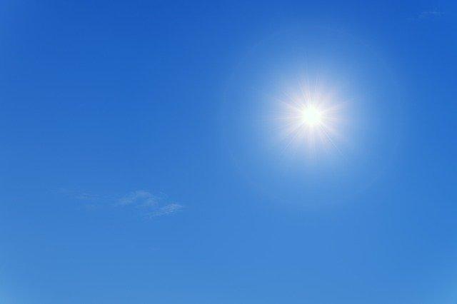 甲子園はなぜ夏に始まる?秋冬開催にならない理由や炎天下での危険性を紹介